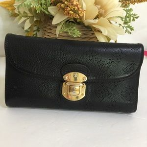 Louis Vuitton Amelia Mahina wallet